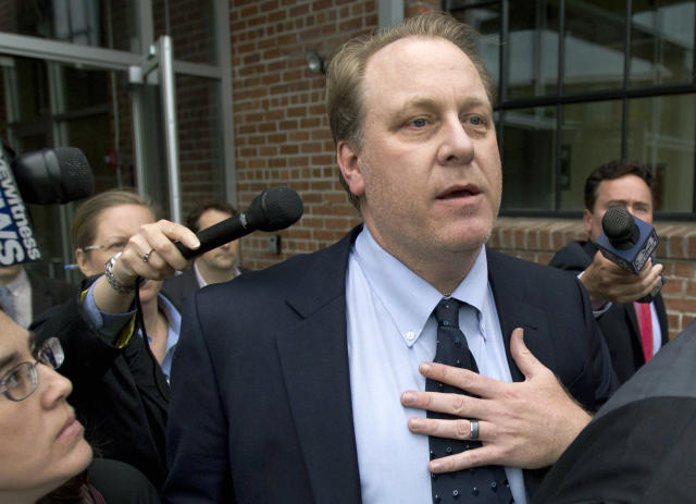 Curt Schilling posted to Facebook to say that he wasn't surprised that the Red Sox had left him out of a pregame ceremony that included members of the 2004 Red Sox team. (AP)