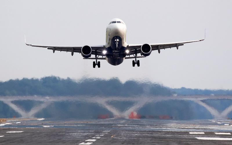 Climate change researchers fly more than other academics