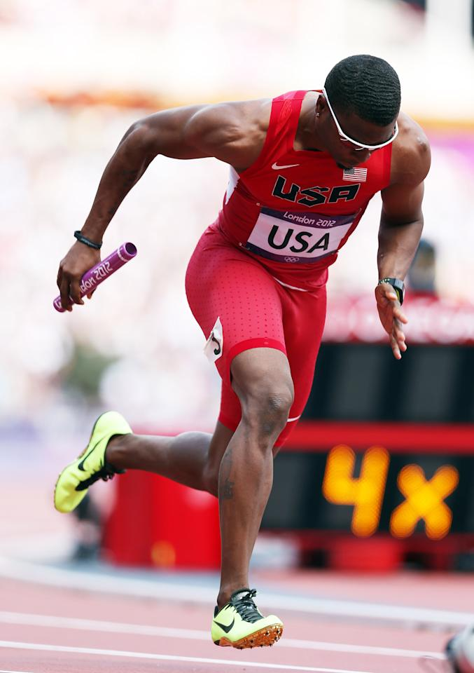 LONDON, ENGLAND - AUGUST 09:  Manteo Mitchell of USA in action during the heats of the men's 4x400m relays , during the 2012 London Olympics at The Olympic Stadium on August 09, 2012 in London, England.  (Photo by Ian MacNicol/Getty Images)
