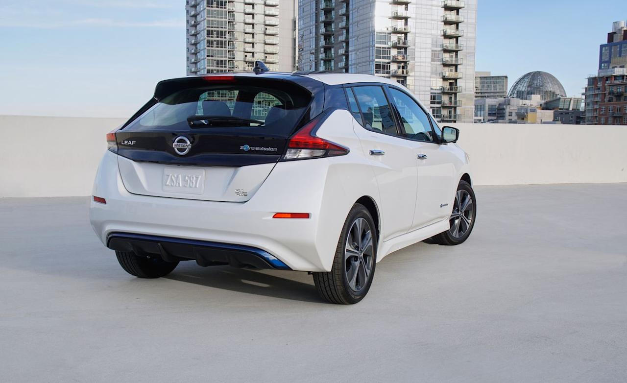 <p>For around $6500 extra, a 62.0-kWh battery pack boosts driving range by around 40 percent, but the Leaf still falls short of rival EVs.</p>