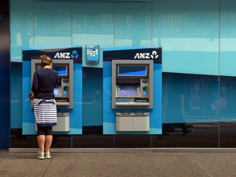 ANZ keeps lending rates on hold