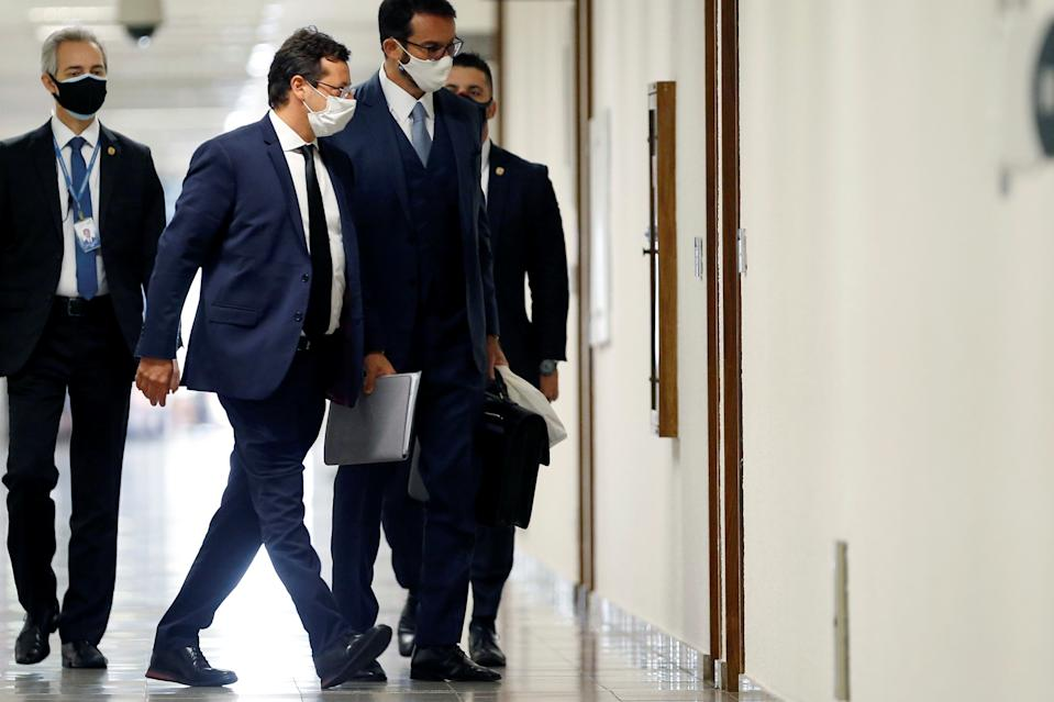 Former Brazil's Chief of the Secretariat of Social Communication (SECOM) Fabio Wajngarten walks before a meeting of the Parliamentary Inquiry Committee (CPI) to investigate government actions and management during the coronavirus disease (COVID-19) pandemic, at the Federal Senate in Brasilia, Brazil May 12, 2021. REUTERS/Adriano Machado