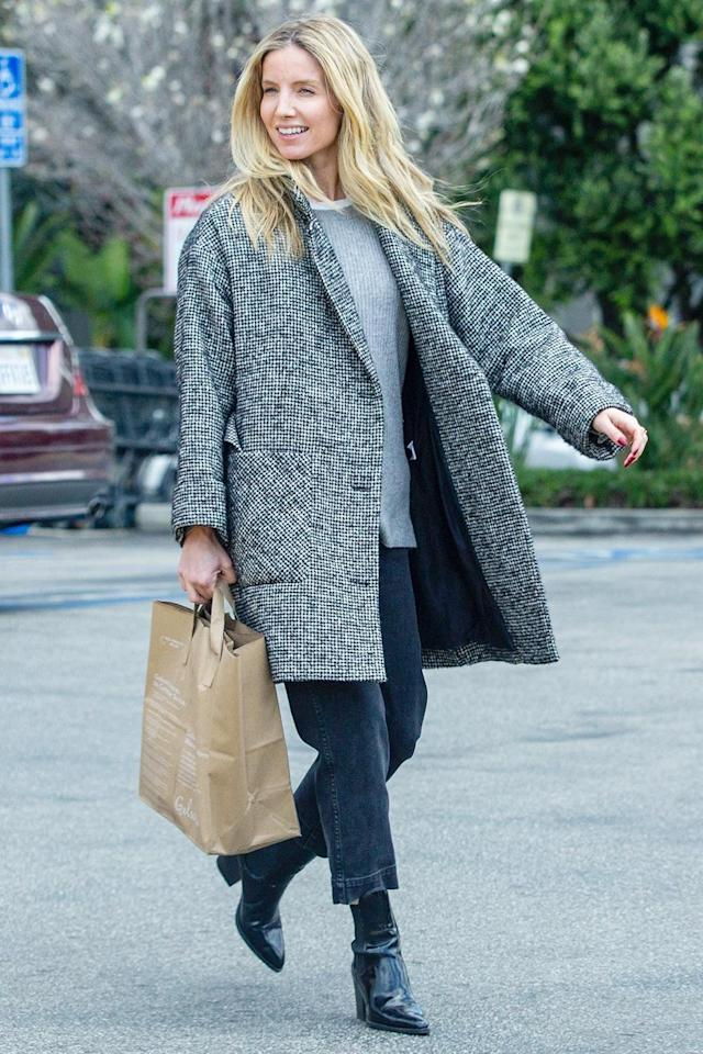 <p>Annabelle Wallis grabs a few groceries with boyfriend Chris Pine (not pictured) in L.A. on Tuesday. </p>