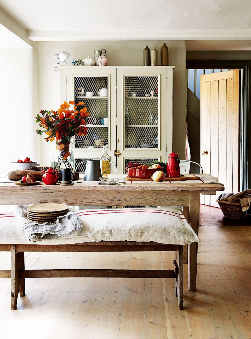 "<p>Deciding how to <a href=""https://www.housebeautiful.com/entertaining/holidays-celebrations/g2647/thanksgiving-decorations/"" rel=""nofollow noopener"" target=""_blank"" data-ylk=""slk:decorate for Thanksgiving"" class=""link rapid-noclick-resp"">decorate for Thanksgiving</a> is one thing, but deciding <em>which color</em><em>s</em> to use in is a task in and of itself. But choosing a Thanksgiving color palette will make every <a href=""https://www.housebeautiful.com/entertaining/table-decor/g1535/fall-table-decorating-ideas/"" rel=""nofollow noopener"" target=""_blank"" data-ylk=""slk:decorating"" class=""link rapid-noclick-resp"">decorating</a> task easier, from the front door to the <a href=""https://www.housebeautiful.com/entertaining/holidays-celebrations/g2684/thanksgiving-centerpieces/"" rel=""nofollow noopener"" target=""_blank"" data-ylk=""slk:centerpiece"" class=""link rapid-noclick-resp"">centerpiece</a> and mantel. You could opt for the standard brown, yellow, orange, and red, but c'mon—where's the fun in that? If you want to mix it up this year, try these gorgeous combos that integrate the classics alongside a few totally unexpected new hues. </p>"