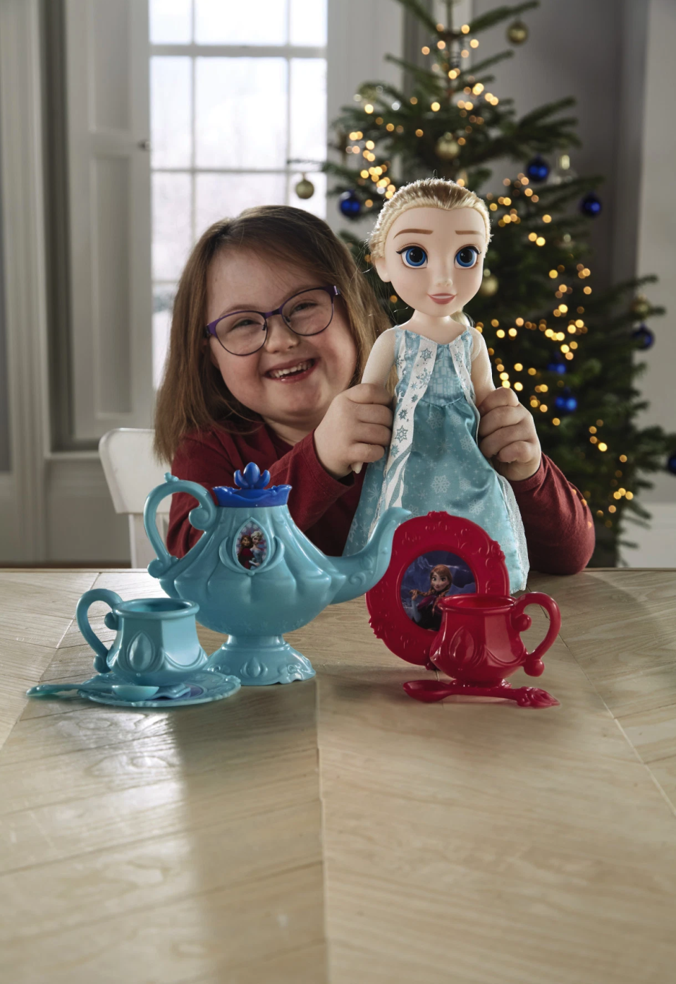 Elsa and Anna dolls are available, too. [Photo: Aldi]