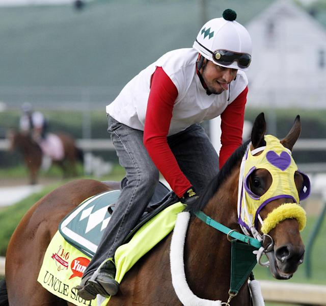 California Chrome wakes up for pre-Derby gallop