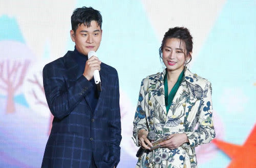 Fans are happy that the couple are back together