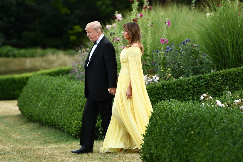 <div>Melania Trump wore a stunning yellow gown while heading to a black tie dinner at Blenheim Palace in London.</div>