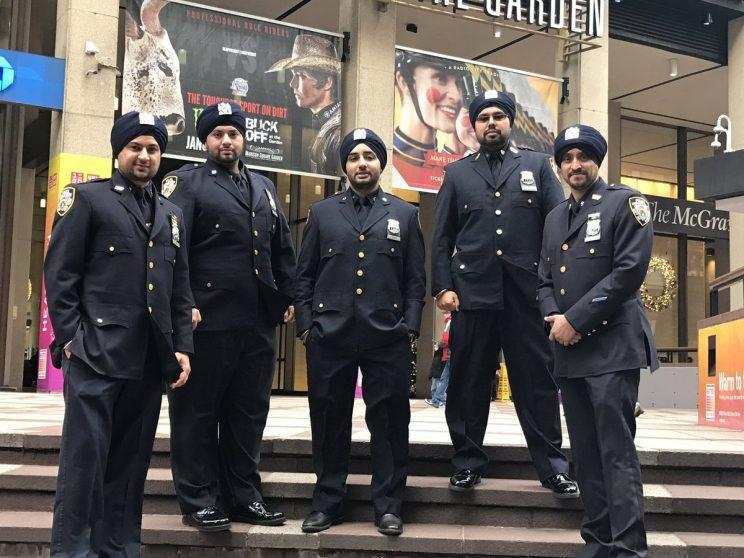 NYPD officers wear turbans outside Madison Square Garden in New York City. (Photo: Sikh Officers Association/Twitter)