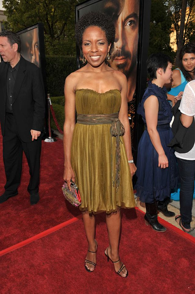 """<a href=""""http://movies.yahoo.com/movie/contributor/1800019747"""">Lisa Gay Hamilton</a> at the Los Angeles premiere of <a href=""""http://movies.yahoo.com/movie/1809986571/info"""">The Soloist</a> - 04/20/2009"""