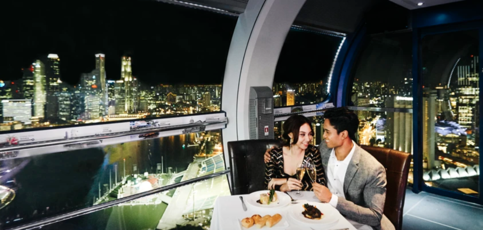 PHOTO: Klook. Singapore Flyer Sky Dining