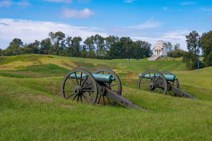 <p>Vicksburg National Military Park in Vicksburg, Mississippi is home to battlefields and civil war cannons. </p>