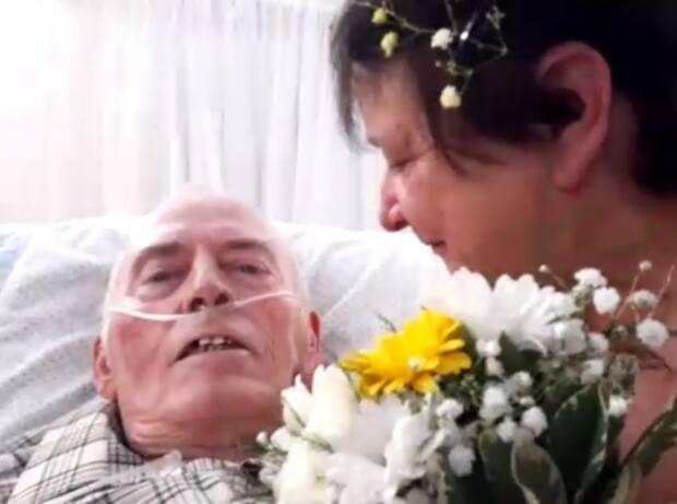Arden White is shown with his wife of 47 years, Debby. The couple decided to renew their wedding vows on Monday, only days after Arden was given a terminal cancer diagnosis.  (Zoom - image credit)