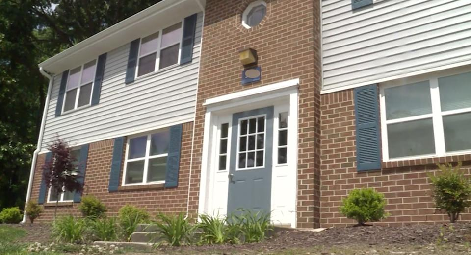 The outside of the Newport News apartment building where Sarah Whitney Ganoe allegedly stabbed her baby boy to death.