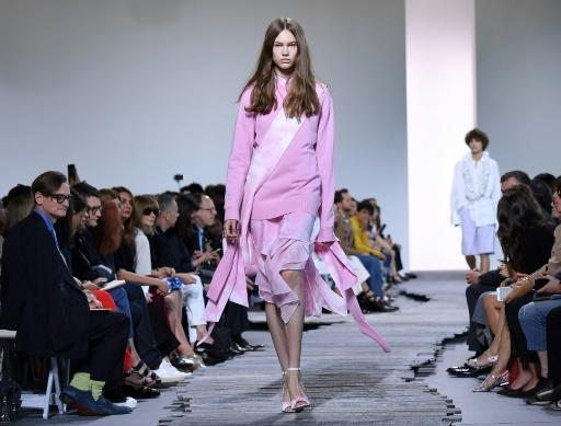Kors kicks off final day of NY Fashion Week