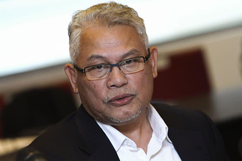 Khalid said Azmin had turned down his recommendation to appoint Haziq as his intern when he was Selangor mentri besar. — Picture by Yusof Mat Isa