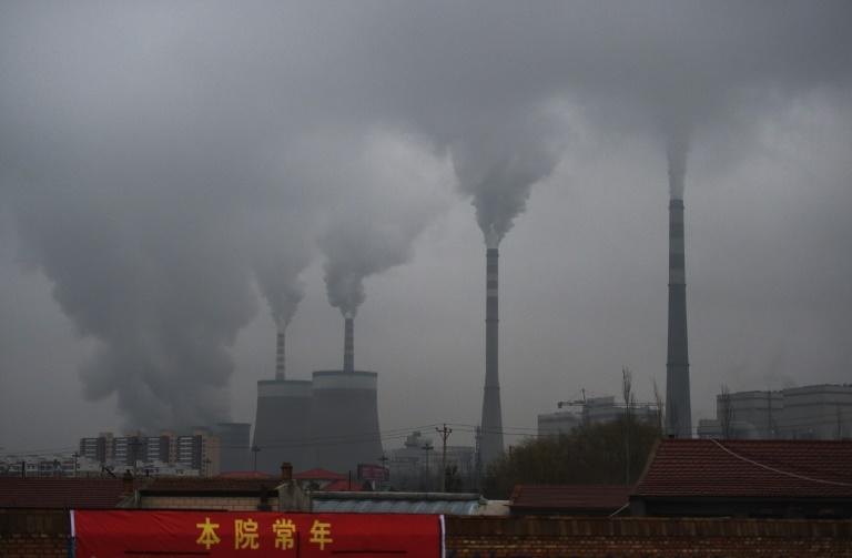 Smoke belches from a coal-fueled power station near Datong, in China's northern Shanxi province, in 2015 (AFP/GREG BAKER)