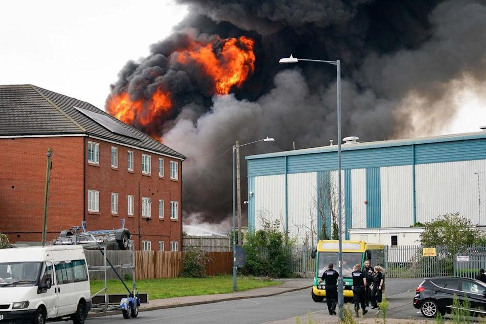 A large fire at an industrial premises (PA)