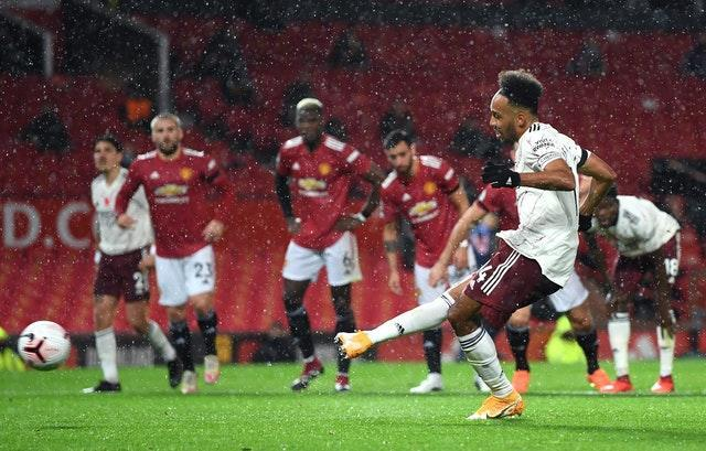 Pierre-Emerick Aubameyang converts his penalty to secure Arsenal victory at Old TraffordLeague – Old Trafford