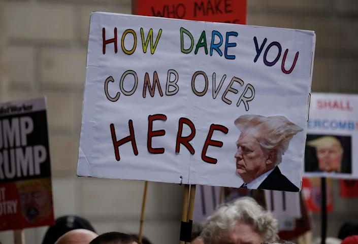 People in central London demonstrate against President Trump. (Photo: Matt Dunham/AP)