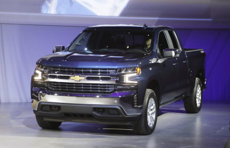Pickups From Ram Chevy Heat Up Big Truck Competition