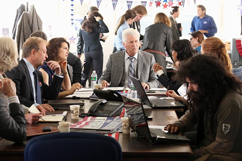 """Scandal"" -- ""A Criminal, a Whore, an Idiot and a Liar"" JEFF PERRY, BELLAMY YOUNG, BARRY BOSTWICK, KERRY WASHINGTON, DARBY STANCHFIELD, GUILLERMO DIAZ"