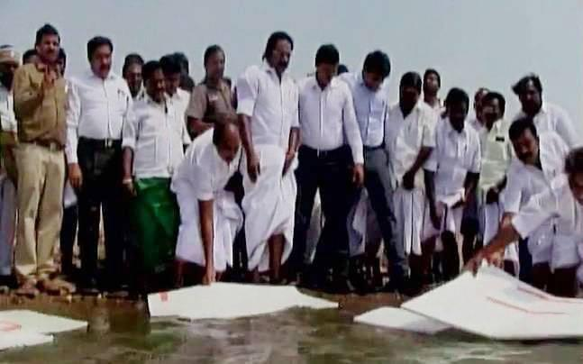 Not taking trolls seriously, people politicising issue: TN minister who tried to cover dam with thermocol