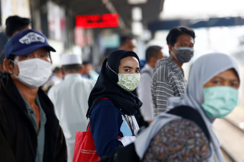 Indonesia traces movements of Chinese tourist with coronavirus