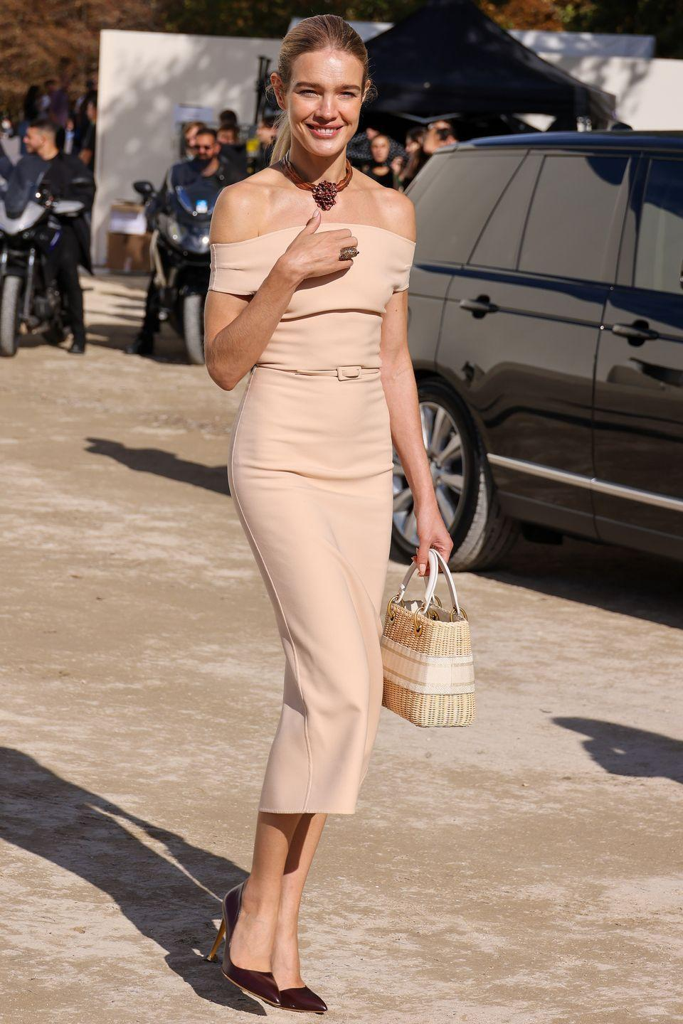 <p><strong>28 September </strong></p><p>Natalia Vodianova was seen arriving at the Dior show in a blush pink off-the-shoulder dress. </p>