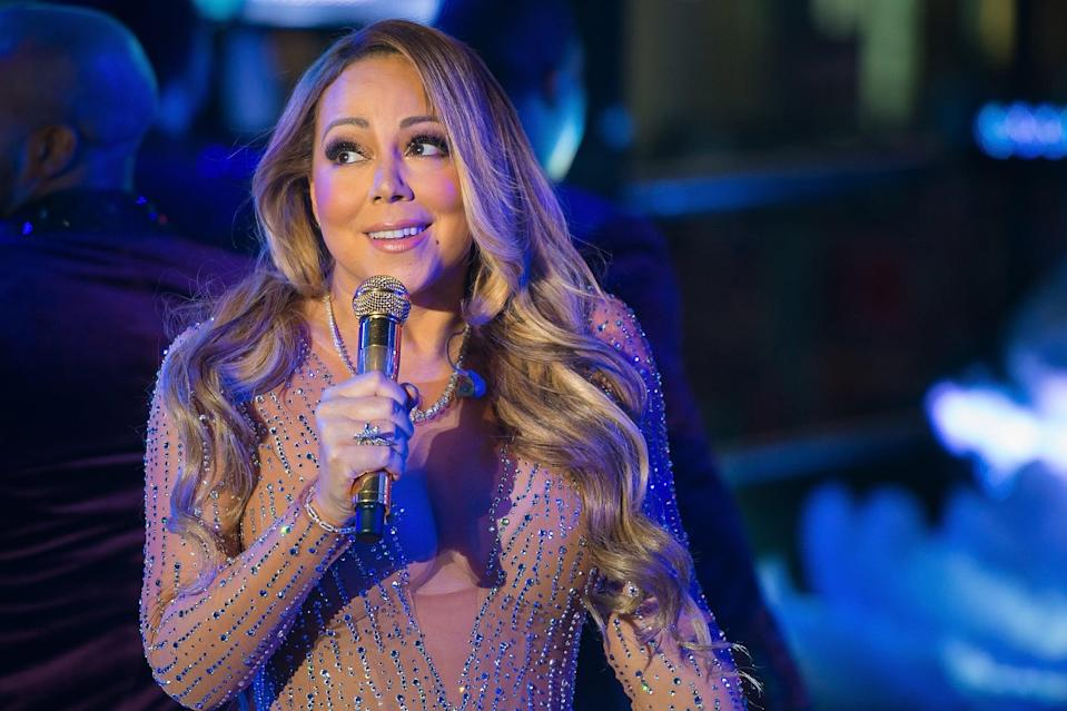 NEW YORK, NY - DECEMBER 31:  Singer Mariah Carey performs during Dick Clark's New Year's Rockin' Eve in Times Square on December 31, 2016 in New York City.  (Photo by Michael Stewart/WireImage)