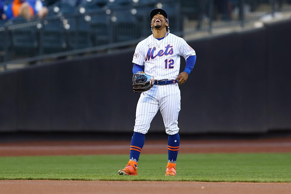 NEW YORK, NEW YORK - APRIL 27: Francisco Lindor #12 of the New York Mets looks on during warm-ups prior to the start of the game against the Boston Red Sox at Citi Field on April 27, 2021 in New York City. Boston Red Sox defeated the New York Mets 2-1. (Photo by Mike Stobe/Getty Images)