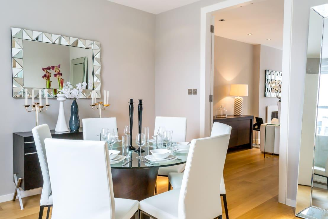 <p>Yes, we know we're supposed to talk about minimalist furniture, but your room's colour palette is also important for the minimalist style. Subdued hues are the key term – colours like dove grey, mocha beige, and eggshell white show up in numerous minimalist homes, and there's a reason for it.</p><p>These tones form part of a clean, fresh-looking style, and inspire a sense of calm. Would you look at a room splashed with candy reds and daffodil yellows and feel tranquil? Neither would we!</p><p>But just because your new minimalist rooms shy away from bright hues, doesn't mean they have to be bland or boring. Because although the room's main colour palette needs to be subdued, undertones of vivacious hues can ensure a striking touch. Think about how yellow touches give white paint a warmer and creamier appearance, or how blue undertones ensure a crisper look to that neutral palette.</p><p>Thus, if you want to bring in a splash of colour in your minimalist room, choose solid pigments that are easy on the eye and gel well with the neutrals, like earth-tone browns, natural greens and blues, etc.</p>  Credits: homify / In:Style Direct