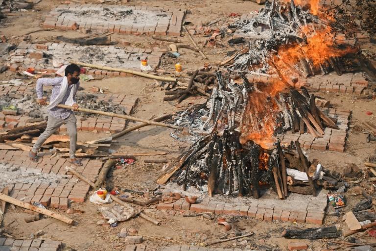 India's cremation grounds have been overwhelmed by the coronavirus crisis