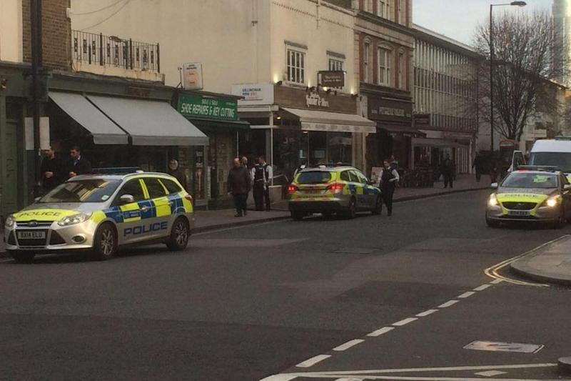 Officers were called to reports of a stabbing near Victoria station (@bigdaddytoes)