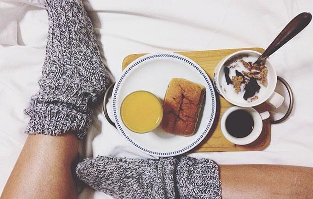 It might be the last thing you feel like, but make sure to eat your meals regularly and jet lag won't be a problem. Photo: Getty images