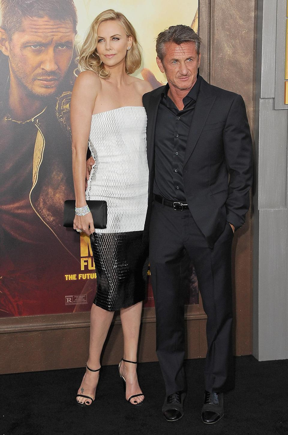 Theron and Penn dated for two years. Image via Getty Images.