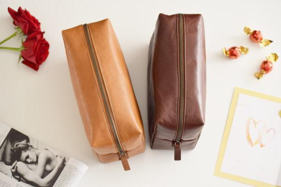 (Etsy // The Leather Expert)