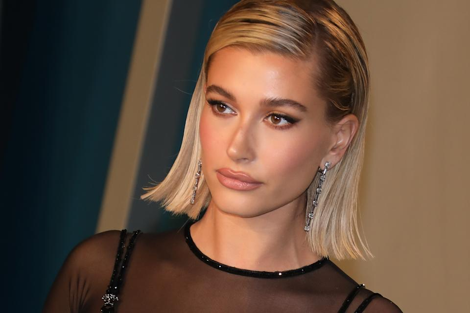 Hailey Bieber says a therapist has helped her deal with online harassment. (Photo: Toni Anne Barson/WireImage)