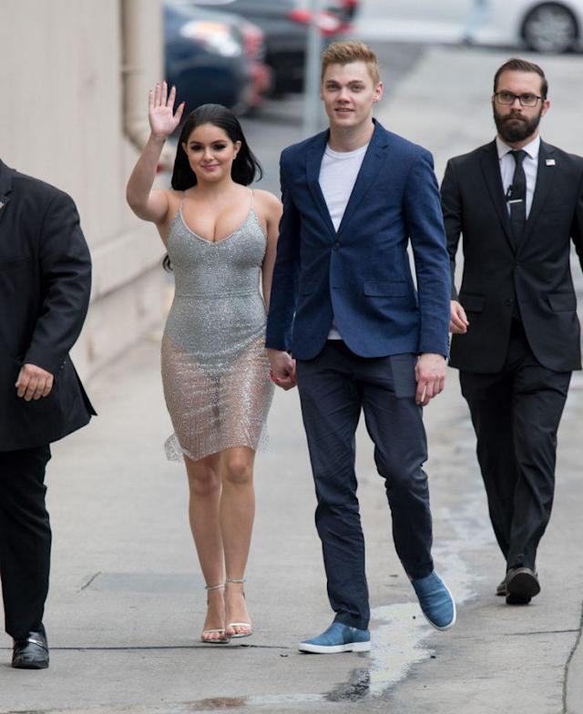 Ariel Winter arrives for her <em>Jimmy Kimmel Live!</em> appearance on Wednesday with boyfriend Levi Meaden. (Photo: RB/Bauer-Griffin/GC Images)