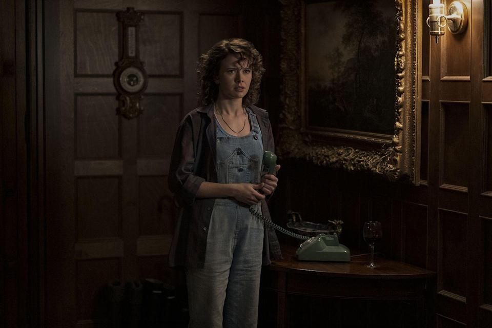 """<p>Amelia Eve plays groundskeeper Jamie in <em>The Haunting of Bly Manor</em>, which is her first main role. She'll next be seen in the movies <em><a href=""""https://www.imdb.com/title/tt9797932/?ref_=nm_flmg_act_4"""" rel=""""nofollow noopener"""" target=""""_blank"""" data-ylk=""""slk:Big Boys Don't Cry"""" class=""""link rapid-noclick-resp"""">Big Boys Don't Cry</a></em> and <a href=""""https://www.imdb.com/title/tt9015714/?ref_=nm_flmg_act_3"""" rel=""""nofollow noopener"""" target=""""_blank"""" data-ylk=""""slk:Shadowland"""" class=""""link rapid-noclick-resp""""><em>Shadowland</em></a>.</p>"""