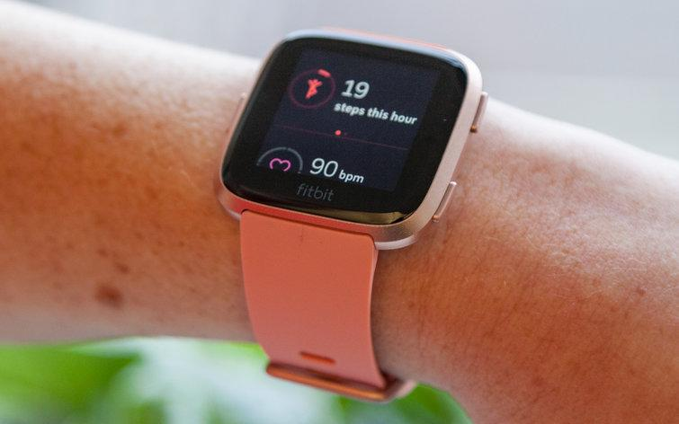 Fitbit Versa Now Tracks Periods, Diabetes On Your Wrist