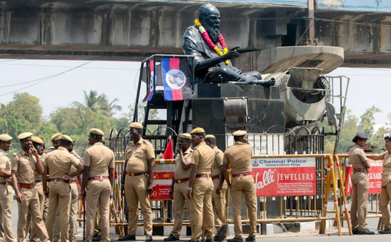 In two separate incidents, statues of Periyar and Shyama Prasad Mookherjee was vandalised by miscreants in Tamil Nadu and West Bengal respectively drawing widespread condemnation from poliitcal leaders across party lines.