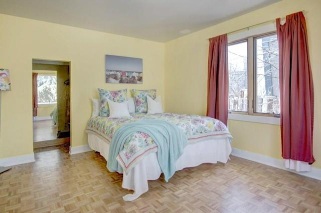"""<p><a href=""""https://www.zoocasa.com/parkhill-calgary-ab-real-estate/5231611-141-38a-av-sw-parkhill-calgary-ab-t2s0w4-c4176789"""" rel=""""nofollow noopener"""" target=""""_blank"""" data-ylk=""""slk:141 38A Avenue Southwest, Calgary, Alta."""" class=""""link rapid-noclick-resp"""">141 38A Avenue Southwest, Calgary, Alta.</a><br> There are four bedrooms in the home, including one in the basement and two on the main floor.<br> (Photo: Zoocasa) </p>"""