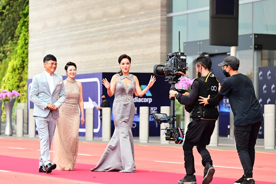 Darren Lim, Cynthia Koh and Aileen Tan at Star Awards held at Changi Airport on 18 April 2021. (Photo: Mediacorp)