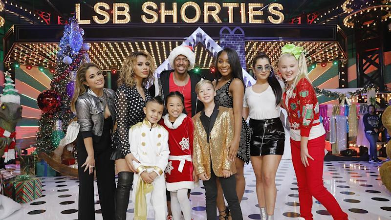 Fifth Harmony Christmas.Fifth Harmony Takes The Stage On The Lip Sync Battle