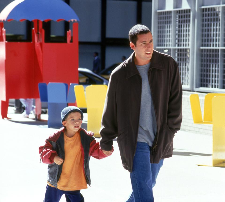 BIG DADDY, from left: Cole/Dylan Sprouse, Adam Sandler, 1999, ©Columbia Pictures/courtesy Everett Collection