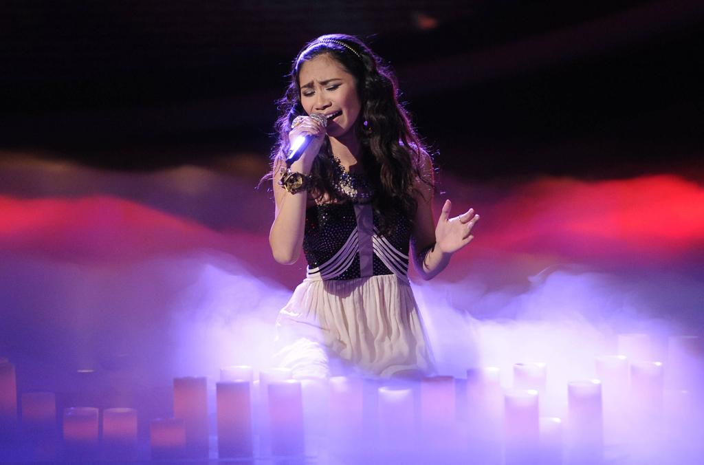 "Jessica Sanchez performs ""You Are So Beautiful"" by Billy Preston on ""<a target=""_blank"" href=""http://tv.yahoo.com/american-idol/show/34934"">American Idol</a>."""