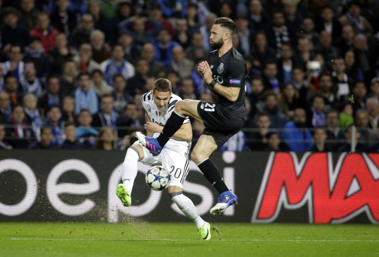 Soccer Football - FC Porto v Juventus - UEFA Champions League Round of 16 First Leg - Dragao Stadium, Porto, Portugal - 22/2/17 Juventus' Marko Pjaca in action Reuters / Miguel Vidal Livepic