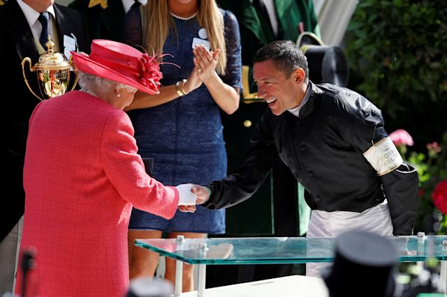 REFILE - CORRECTING TYPO Horse Racing - Royal Ascot - Ascot Racecourse, Ascot, Britain - June 21, 2018 Frankie Dettori shakes the hand of Britain's Queen Elizabeth after winning the 4.20 Gold Cup riding Stradivarius REUTERS/Peter Nicholls