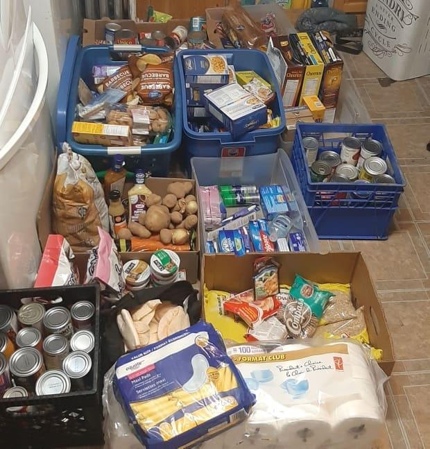 Dustins Community Freeshare Pantry/Facebook